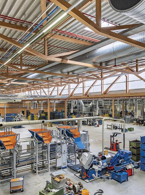 SWG produktionshal - Holdbar - byggeri i BauBuche